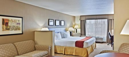 Holiday Inn Express & Suites Vancouver Mall