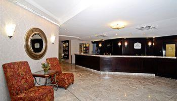 Best Western Plus Ottawa Dntw Suites